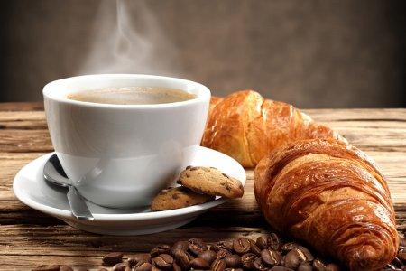 Cosa bere a colazione: le migliori bevande per iniziare bene la giornata